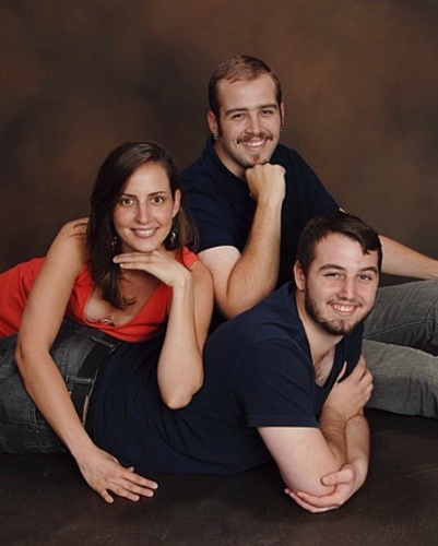 Awkward family photo to the max!